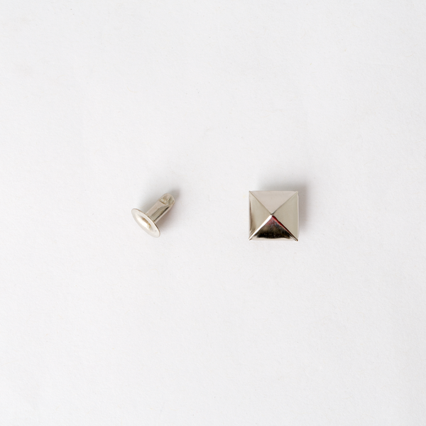 Pyramid Rivets - Nickel 10mm x10mm 5pcs